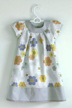 Little girls dress from Quilt Blocks fabric – Quilting