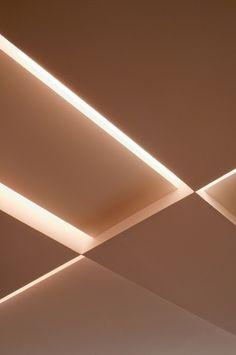 Inspire-se em projetos de tetos decorados que vão do básico ao ousado. Detalhe dos diferentes níveis do forro projetado por Toninho Noronha, em gesso