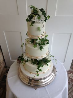 Elegant three tier wedding cake