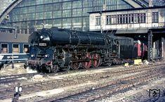 01 0517 (Bw Wittenberge) vor D 1332 nach Hamburg in Berlin-Ostbahnhof. (06.09.1976) Foto: Gerd Bembnista