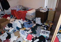 No me gusta ordenar mi cuarto,hacer la cama y limpiar el piso por qué me canso.