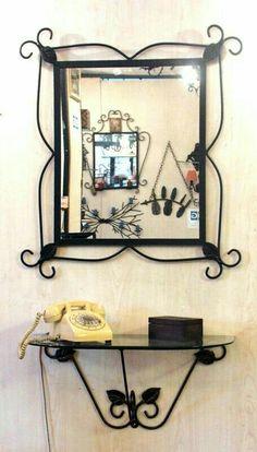 Wrought iron mirror and consolle Welded Furniture, Iron Furniture, Deco Furniture, Mirror Candle Wall Sconce, Diy Mirror, Metal Bins, Metal Bending, Steel Art, Iron Steel