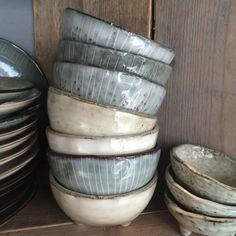 Most up-to-date Photos pottery bowls cute Ideas Broste schaaltjes bij Anders Nog Iets Ceramic Tableware, Ceramic Bowls, Ceramic Pottery, Ceramic Art, Kitchenware, Stoneware, Ceramic Design, Pottery Courses, Ceramic Pinch Pots