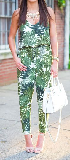 Palm Print Jumpsuit Streetstyle
