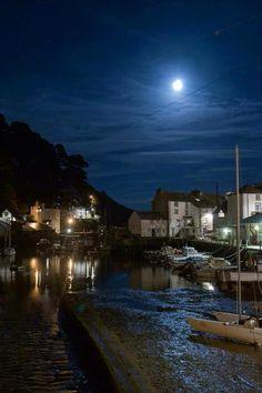 Polperro, Cornwall - Photo by Andy Bilewycz