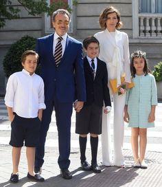 Adriano, el hijo mayor de Nieves Álvarez, celebra su Primera Comunión | TELVA