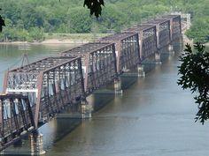 Burlington Northern Santa Fe Bridge over Mississippi River at Burlington, Iowa