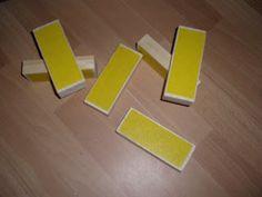 rasp van houten blok met schuurpapier