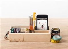 原木桌上型紙膠帶收納台12入。 買了這個會不會有小白花效應,讓辦公桌面更整潔呢?