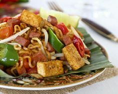 Mee Goreng (note to self: use shrimp instead of spam!)