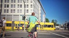 Summerday  #instatraveling #instagram #instadeutschland #ig_europe #dresden #sommer #tram #mainstation #hauptbahnhof #street #streetfoto #streetfotografie #heydresden #sachsen #saxony #urban