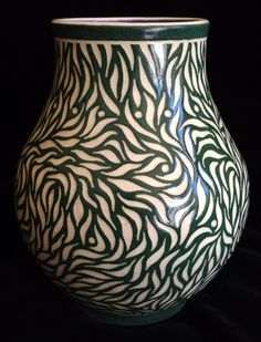 grasses in the breeze vase bacon. Sfraffito? Love it. Carving. Engraving. Texture.