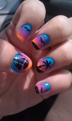 I had so many people compliment me on these nails when I was on my cruise :D