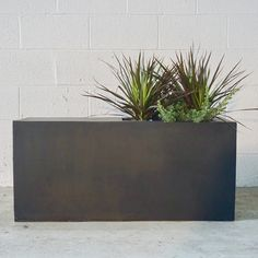 Possible for next to BBQ? Contemporary Planters, Modern Planters, Indoor Planters, Greenhouse Cafe, Stone Planters, Raised Planter, Home Landscaping, Backyard Projects, Planter Boxes