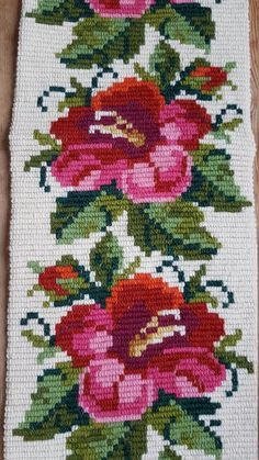 Lovely floral wool embroidered wall hanging/tapestry from Cross Stitch Boarders, Baby Cross Stitch Patterns, Cross Stitch Rose, Bead Loom Patterns, Cross Stitch Flowers, Cross Stitch Designs, Cross Stitching, Cross Stitch Embroidery, Crochet Patterns Amigurumi