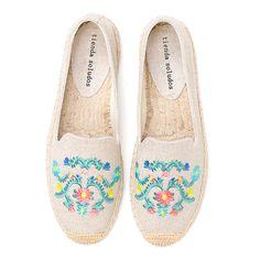 New Fashion Trends, Womens Fashion, Ladies Fashion, Rainbow Shoes, Women's Espadrilles, Shoe Deals, Comfortable Sneakers, Slip On Shoes, Flat Shoes