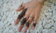 Fingers henna