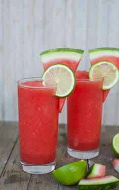 Watermelon Cocktail, Frozen Watermelon, Cocktail Drinks, Cocktail Recipes, Mint Recipes, Punch Recipes, Summer Drinks, Fun Drinks, Vegetables