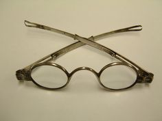 John McAllister, Sr. opens first U.S. shop for optometric services, Philadelphia. By 1816 John McAllister & Son was making gold and silver spectacles in a family business that survived until early 20th century.