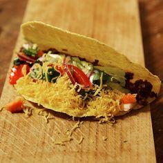 Tout droit venue du Mexique, cette recette de tacos à la viande de bœuf est top pour un dîner convivial. On peut aussi optez pour une version végétarienne...