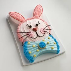 Sure to be the cutest and easiest cut-up cake ever. Unleash your creativity and decorate as desired.