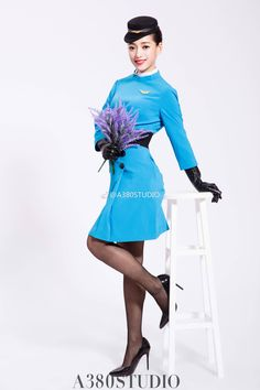 Airline Cabin Crew, Black Leather Gloves, Military Women, Flight Attendant, Beautiful Legs, Ciel, Japanese Girl, Beauty Women, Glamour