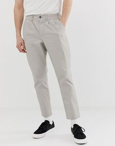 Discover the range of men's chinos and men's pants with ASOS. Shop from hundreds of different styles from skinny chinos to sweatpants. Shop now at ASOS. Skinny Chinos, Men's Chinos, Asos, Khaki Pants, Men's Pants, Boy Fashion, Style Fashion, Mens Sweatpants, Fashion Online