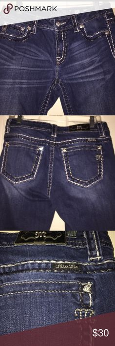 Miss Me jeans  30 x 28 Miss Me. Mid-Rise Skinny jeans with blue and silver stitching Miss Me Jeans Skinny