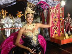 Miss Brasil desfila na Vai-Vai (Foto: Tatiana Santiago/G1)