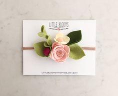 Serre-tête de Bloom fraise par LittleBloomsHandmade sur Etsy
