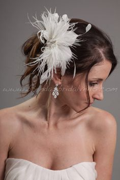Items similar to Bridal Feather Head Piece, Soft White or Light Ivory, Swarovski Rhinestone Center, Wedding Hair Birdcage Fascinator - Catalina on Etsy Coque Feathers, Headpieces, Streamers, Silver Color, Fascinator, Special Occasion, Swarovski, Bridal, Flower