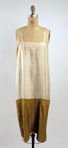 Evening dress (image 3 - chemise)   Callot Soeurs   French   1925-26   silk   Metropolitan Museum of Art   Accession Number: C.I.44.64.11a, b