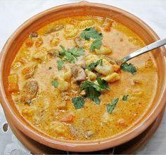 Real Food Recipes, Soup Recipes, Cooking Recipes, Yummy Food, Soup Dish, Hungarian Recipes, Hungarian Food, Goulash Hungarian, Food 52