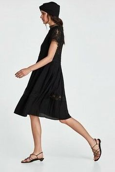 High collar dress with short sleeves. Features a seam at the waist and skirt in a contrasting pleated fabric with lace trims at the hem. Zara Black Dress, Black Lace Midi Dress, Sheer Dress, Dress Skirt, Photomontage, Womens Navy Blue Dress, High Collar Dress, People Png, People Cutout