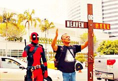 Collection of Deadpool Vs. Comic-Con gifs is the best thing ever Marvel Dc Comics, Marvel Heroes, Marvel Characters, Marvel Funny, Deadpool Cosplay, Deadpool And Spiderman, Deadpool Stuff, Geeks, Hulk