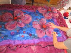 17 Best images about Felted rugs on Pinterest | Carpets, Fall ... Nuno Felting, Needle Felting, Textile Sculpture, Felt Pictures, Old Sweater, Felting Tutorials, Over The Rainbow, Rug Making, Fiber Art