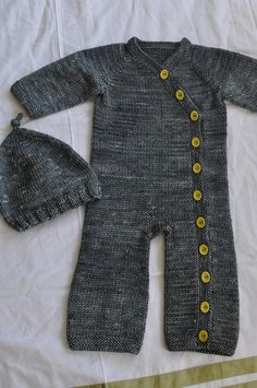 i feel i could copy this style without the knitting by repurposing an old sweater - and its simple enough that a 2 year old could still wear it without looking too babyish. so comfy!