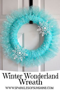 Wonderland Wreath Looking for inspiration for a new wreath? Check out this beautiful Winter Wonderland Wreath from Sparkles of Sunshine.Looking for inspiration for a new wreath? Check out this beautiful Winter Wonderland Wreath from Sparkles of Sunshine. Deco Wreaths, Holiday Wreaths, Holiday Crafts, Christmas Crafts, Christmas Decorations, Christmas Ornaments, Winter Wreaths, Yarn Wreaths, Floral Wreaths