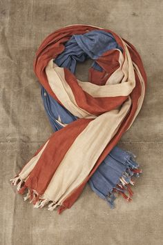 American Flag Scarf Very Patriotic And Cool Too #USA, #americanflag, #pinsland, https://apps.facebook.com/yangutu