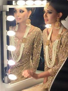 love the jewlery Asian Bridal Jewellery, Bridal Jewelry, Wedding Outfits, Bridal Fashion, Pakistani Dresses, Bridal Makeup, Anarkali, Bridal Style, Diaries