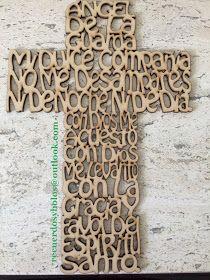 Bolos y recuerdos para Bautizo y Primera Comunion: Cruces de madera con el Padre Nuestro