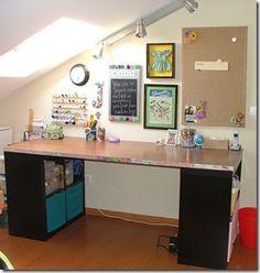 ikea shelves for legs Space Crafts, Home Crafts, Door Desk, Craft Room Desk, Counter Height Table Sets, Hollow Core Doors, Pub Set, Sewing Rooms, Diy Door