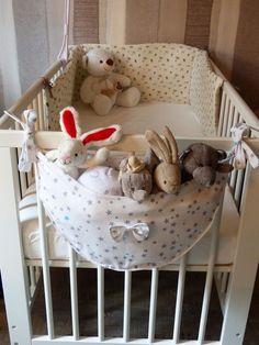 Comforter Storage, Diy Bebe, Baby Couture, Quilt Baby, Nursery Room Decor, Toy Storage, Storage Ideas, Baby Crafts, Baby Decor