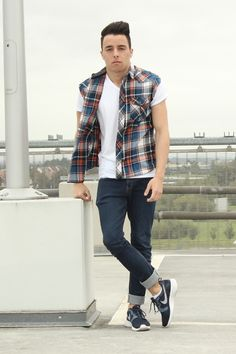 Blogger Never Not Inspired wears a casual outfit of plaid sleeveless shirt and denim #aw14 #fashion #style #inspiration #mens