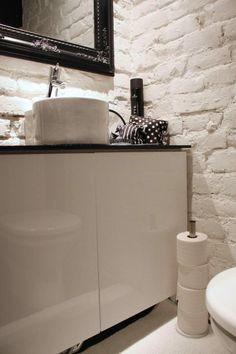 vessa/toilet Basement Inspiration, Bathroom Vanity, Bathroom, Decor, Toilet, Home, Wall, Home Decor, Room