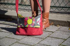 Tuto sac besace facile Sac Week End, Diy Sac, Couture Sewing, Couture Bags, Bagan, Clutch Purse, Bag Making, Bucket Bag, Jeans