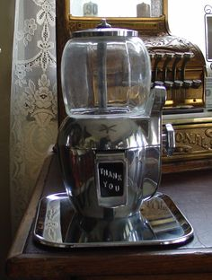 1947...Atlas Bantam...Five Cent Peanut Machine...With Tray...And Key | Collectors Weekly