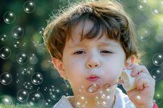 Fotografia de criança, book de criança, Menino, menina, ensaio infantil, book infantil, fotografia com fantasias, bolha de sabão,menino, fantasia, brincadeiras de criança,fotógrafa de criança, ar livre, foto externa, externa, , parque, fotos no parque, Nilda Brandão