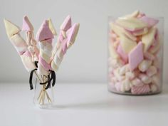 Snack for New Years Eve: Marshmallow fireworks Best Cookie Recipes, Holiday Recipes, Birthday Treats, Birthday Parties, New Years Eve Snacks, New Year's Food, Christmas Cookies, Party Time, Tapas