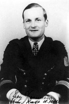 "Kptlt. Rolf Thomsen. Kdt. ""U 1202"" RK. 4.1.1945. EL. (852) 29.4.1945."
